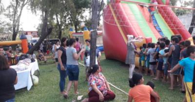 Vecinos ofrecieron festejo a los peques