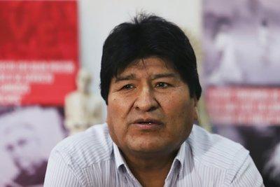 """Si vuelve a Bolivia, Evo Morales piensa formar """"milicias armadas del pueblo"""" como en Venezuela"""