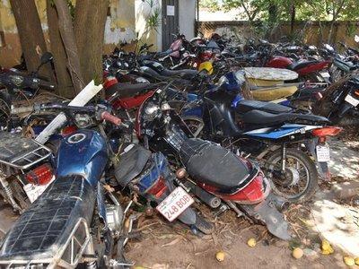 Policía solicita a juez autorización para destruir  vehículos chatarras