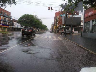 Meteorología prevé una jornada con lluvias, calor y humedad