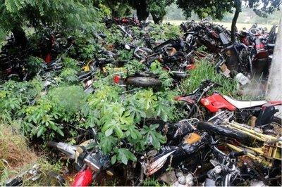 La Policía pide a juez que declare abandonados los vehículos chatarras