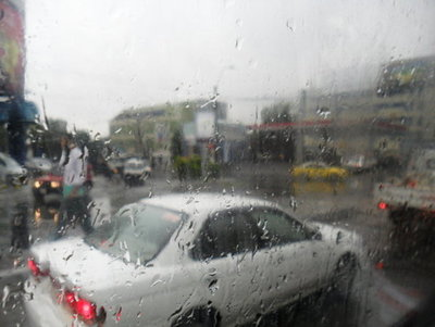 Jueves con mucho calor y lluvias