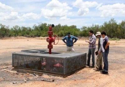 HOY / Aún no nos 'bañamos en petróleo': empresas de vuelta se movilizan en el Chaco