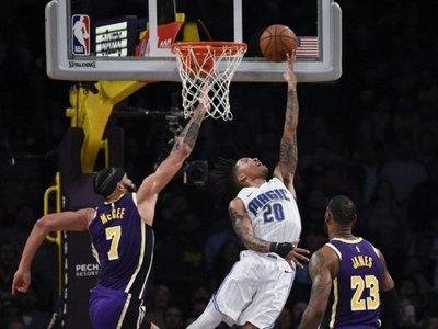 Fultz se levanta y con magia derrumba a los temibles Lakers