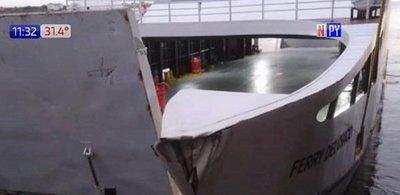 Ferry del Chaco abollado y fuera de servicio