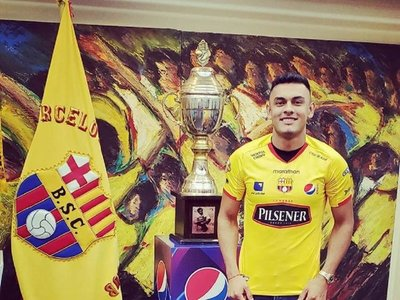 Barcelona presenta a Cristian Colmán