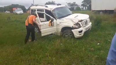 Tres personas resultaron con heridas leves en vuelco de vehículo en Carapeguá