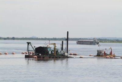 Comenzó trabajo de dragado en puntos conflictivos del río Paraná