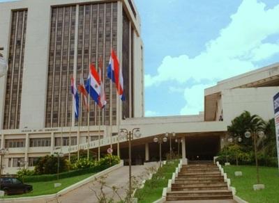 Grave denuncia de exdirectora de municipalidad de Asunción: 'Temo por mi vida'