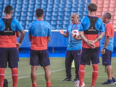 El probable onceno de Cerro para el debut en el Apertura