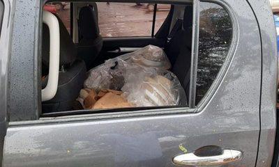 Delincuente rompe vidrio y se lleva objetos de un automóvil en Santa Rita