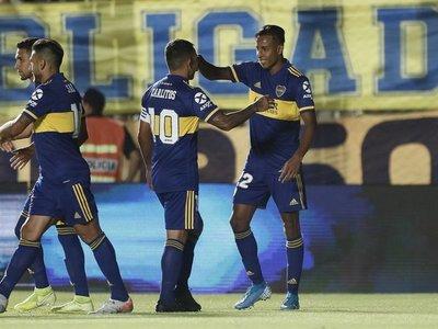 Russo se estrenó como técnico de Boca Juniors con triunfo ante Universitario