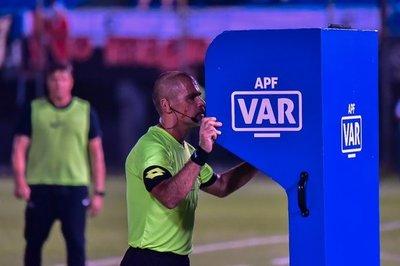 Vuelve el fútbol paraguayo con el VAR como invitado especial