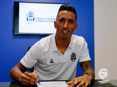 Lucas Barrios es nuevo jugador de Gimnasia y Esgrima