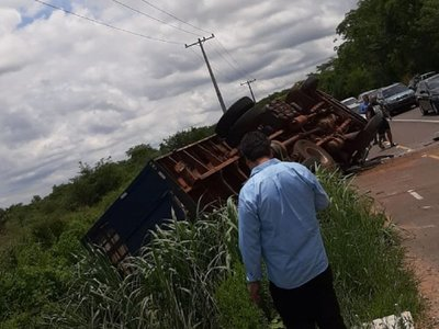 Caballos de la Policía Nacional mueren en accidente de tránsito