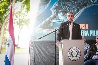 Jefe de Estado presidió firma de contrato para la Defensa Costera de la ciudad de Pilar