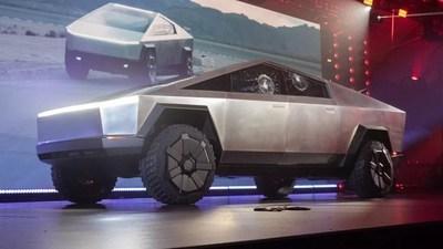 """Tesla Cybertruck: La camioneta eléctrica """"irrompible"""" que se rompió durante su presentación"""