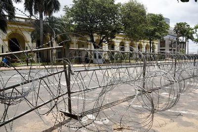 Casco histórico asunceno parece  una zona en guerra