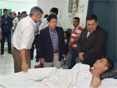 Mario Abdo visitó a agentes del Grupo Lince heridos