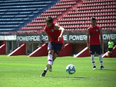 Los Romero y Adam Bareiro se destacan en un amistoso del Cuervo