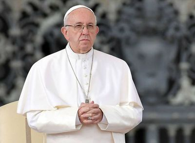 El Papa elogia a los que limpian el mar