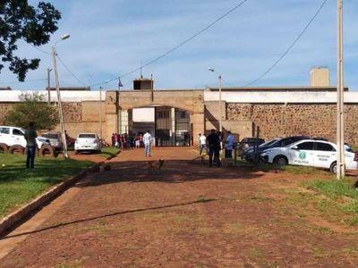 Trasladan a 30 guardiacárceles de PJC hasta sede policial