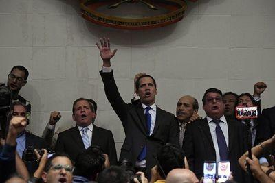 Guaidó desafía prohibición de salida de Venezuela
