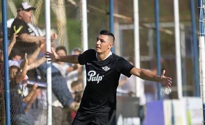 HOY / Libertad triunfa en el debut de Ramón Díaz