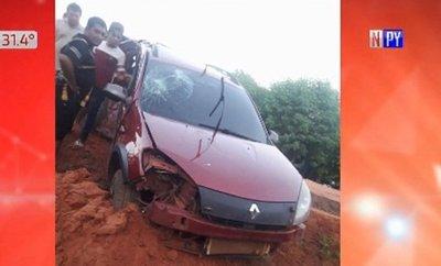 Policía provoca accidente que deja tres muertos