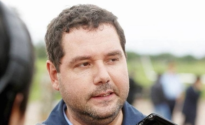 HOY / Abdo acepta renuncia de Volpe tras ser acusado de corrupción por el Brasil