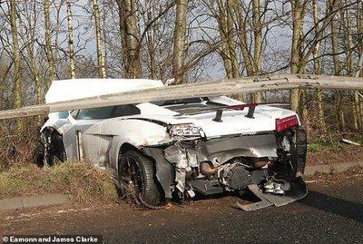 Duro accidente de Sergio Romero en Inglaterra