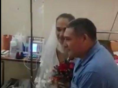 Doctores y enfermeras fueron testigos de una boda en el Hospital de Itauguá