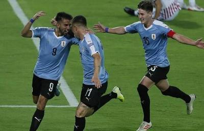 1-0. Rossi aprovecha error grave de Paraguay y Uruguay gana un partido reñido