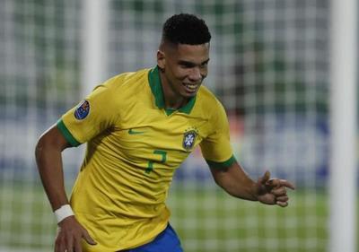 Brasil y Uruguay ganan con lo mínimo en la noche de Paulinho y Rossi