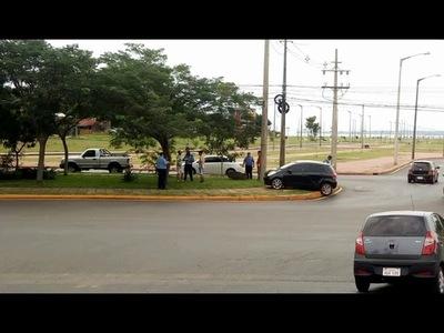 CAMIONETA ARGENTINA INVOLUCRADA EN ACCIDENTE A METROS DE LA PLACITA