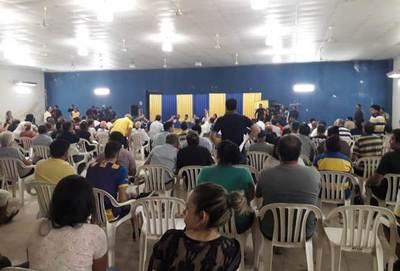Caldeado ambiente en la asamblea de Luqueño •