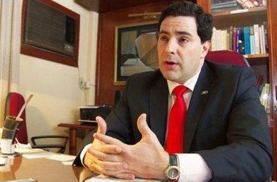 Ex senador responsabiliza a Mario Abdo por fuga en cárcel de Pedro Juan