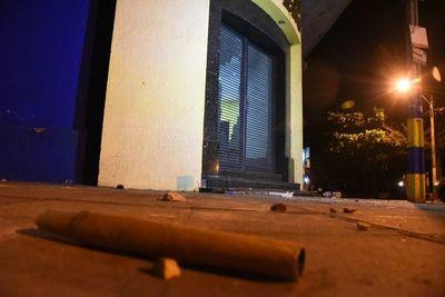 Asamblea del Sportivo Luqueño culminó con destrozos y dos demorados