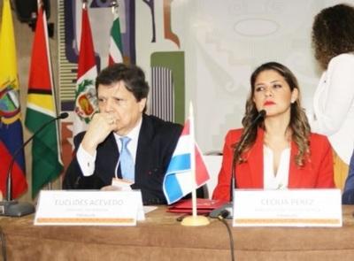 Euclides Acevedo y Cecilia Pérez se presentan hoy ante Comisión Permanente del Congreso
