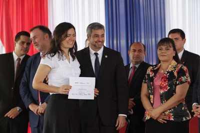 Becal habilita convocatoria para becas de estancia corta en España