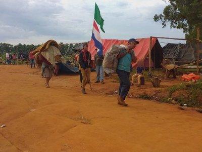 Campesinos abandonan predio en Repatriación tras acuerdo