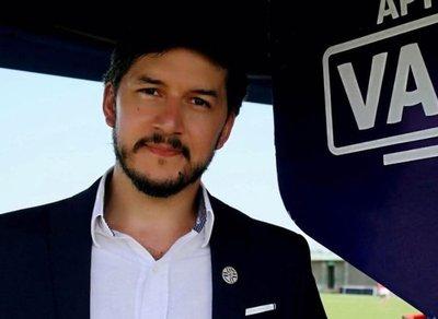 Directiva de Cerro pide salida del director del VAR