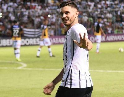 Martínez renovó hasta el 2023