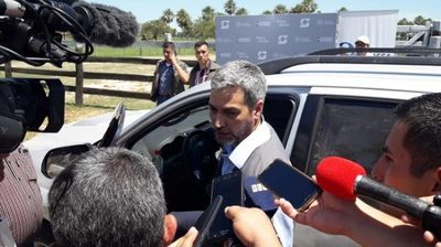 Mario Abdo Benítez sufre cuadro sospechoso de dengue
