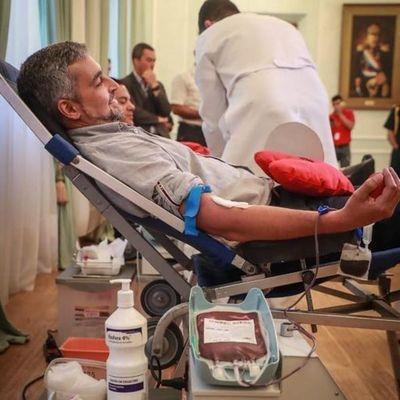 Mario Abdo se descompensa durante un acto y se encuentra con reposo tras presentar síntomas de dengue