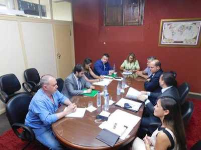 SEPRELAD y Diputados plantean proyecto de ley de financiamiento político