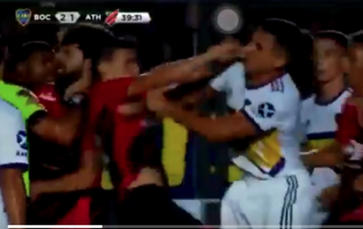 (VIDEO) Júnior se tongueó con rapai