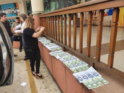 Indagan esquema de extorsión a turistas integrado por policías