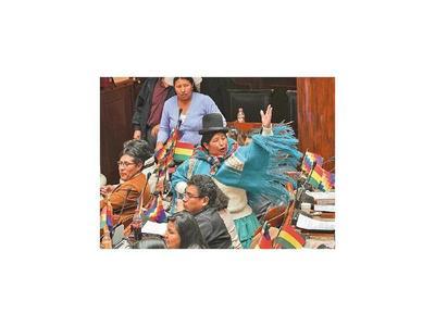 Parlamento boliviano acepta la renuncia de Evo Morales