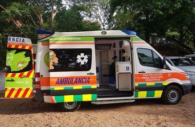 Donan ambulancia a hospital de Limpio